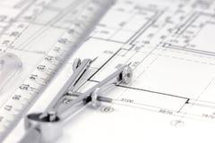 Outils de mesure sur le fond de plan d'étage Images libres de droits