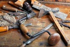 Outils de travail du bois de cru image stock