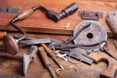 Outils de travail du bois de cru Photographie stock libre de droits