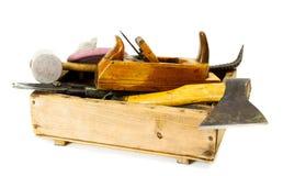 Outils de travail (hache, burin, avion et d'autres) dedans Photographie stock libre de droits