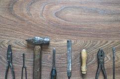 Outils de vintage sur le fond en bois Photographie stock