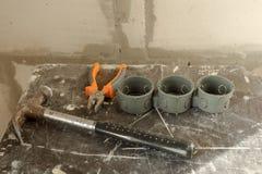 Outils du ` s de constructeur sur le chantier de construction - concept de r?novation photographie stock