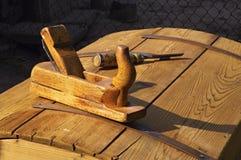 Outils en bois au soleil Photo stock