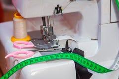 Outils et accessoires du ` s de tailleur Photos stock