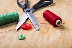 Outils et kit de couture de couture Image stock