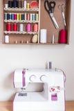 Outils et kit de couture de couture Photos stock