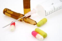 Outils et médicaments de soins de santé Image stock