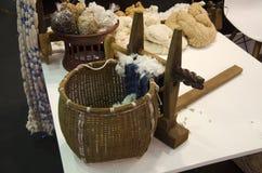 Outils et matériaux pour l'usage de la machine de rotation de fil de coton Photos stock