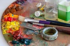Outils et matériaux pour les arts images libres de droits