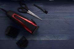 outils pour des cheveux pour les hommes dans le salon de beauté Photos stock