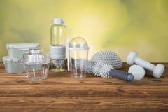 Outils pour la nourriture, massagers, poids, forme physique image stock