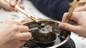 Outils pour le cirage d'oeuf de pâques Photo stock