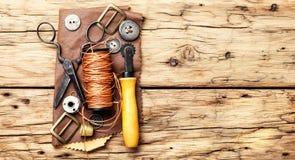 Outils pour le métier en cuir photographie stock libre de droits