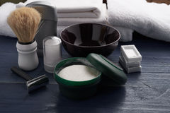 Outils pour le rasage masculin professionnel Photo stock