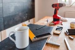 Outils sur la table Image stock