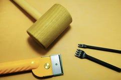 Outils sur le cuir Images libres de droits