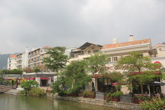 The outlets shopping village on the edge of the lake�SHENZHEN.CHINA.ASIA Royalty Free Stock Photos