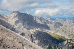 Outlook dall'ascesa a Watzmann al picco di Hochkalter in alpi Immagine Stock