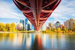 outono da ponte da paz imagens de stock