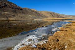 outono da reflexão das montanhas do lago Fotografia de Stock
