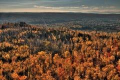 outono em Carlton Peak das montanhas do Sawtooth em Minnesota do norte na costa norte do Lago Superior fotografia de stock royalty free