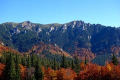 outono em outubro ao platô vermelho 5 da montanha imagem de stock royalty free