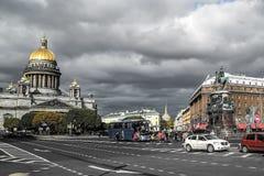 Outono em St Petersburg Quadrado do St Isaac Imagem de Stock