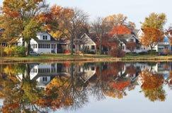 outono em um fundo da cidade imagem de stock