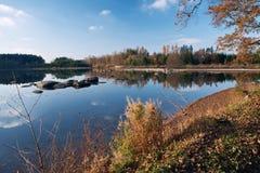 outono na lagoa Fotografia de Stock