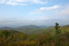 Outono nas montanhas fotos de stock royalty free