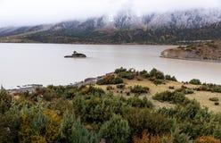 outono nas montanhas, Tibet, China imagens de stock royalty free
