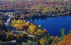Outono no país da casa de campo Fotos de Stock Royalty Free