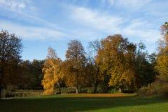 outono no parque de Frederiksbork, Hilleroed, Dinamarca foto de stock