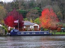 Outono no rio Tamisa imagens de stock