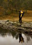 Outono que trekking Imagens de Stock Royalty Free