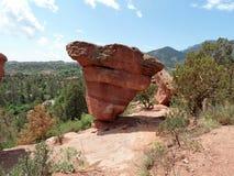 A outra rocha equilibrada em Colorado Springs imagem de stock