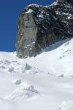 Outre du ski de journal sur le Mt Blanc Images stock