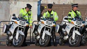Outriders da motocicleta da polícia fotos de stock
