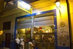 Outseide Bodeguita del Medio,哈瓦那,古巴 免版税图库摄影