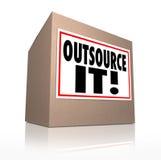 Outsource оно формулирует рабочую силу работ доставки картонной коробки трудовую Стоковая Фотография RF