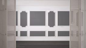 Ouverture blanche de porte de pliage sur l'espace vide classique avec les bâtis de stuc et le plancher de parquet, intérieur de v image stock