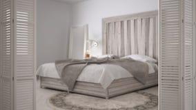 Ouverture blanche de porte de pliage sur la chambre à coucher scandinave moderne, conception intérieure blanche, concept de conce photos libres de droits