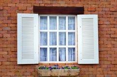 Ouverture de fenêtre Photos stock