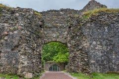 Ouverture de fonction émulation dans le mur du château d'Inverlochy, Ecosse Image libre de droits