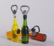 Ouvreur ou ouvreur de bouteille sur un fond Photo libre de droits