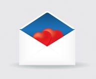 ouvrez l'enveloppe postale avec deux coeurs Photographie stock