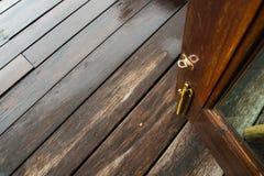 Ouvrez la porte pour aller dehors Photos stock