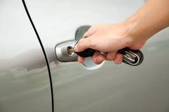 Ouvrez la trappe de véhicule par clé Images stock