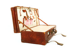 Ouvrez la vieille valise brune Photo stock