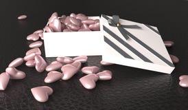 Ouvrez le boîte-cadeau complètement de coeurs roses Image libre de droits